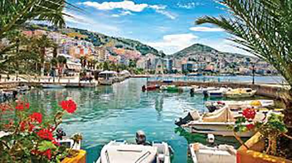 Ομάδα Αλβανών ζητά την αλλαγή της ονομασίας της πόλης Άγιοι Σαράντα
