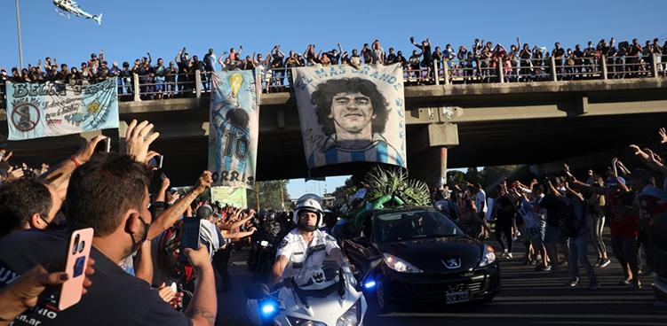 Ντιέγκο Μαραντόνα: Ο «Θεός της μπάλας» πέρασε στην αιωνιότητα