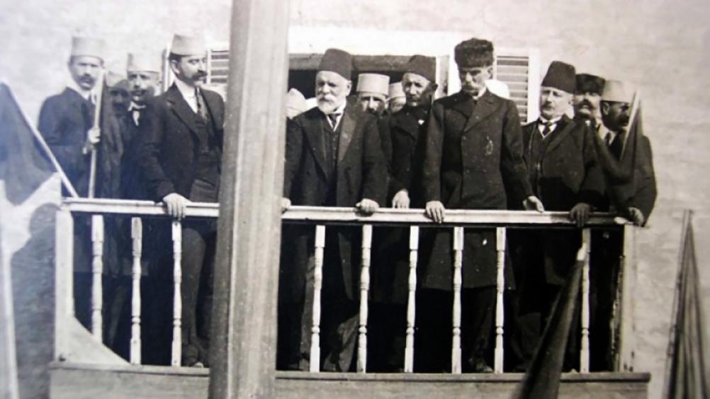 1912: Η Αλβανία ανακηρύσσει την ανεξαρτησία της από την Οθωμανική Αυτοκρατορία