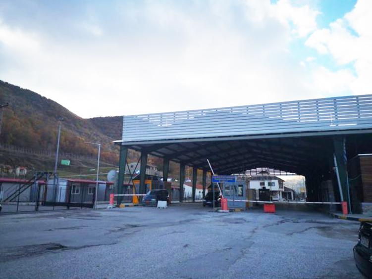 Ανοιχτά τα σύνορα στην Κρυσταλλοπηγή μόνο για έξοδο προς την Αλβανία