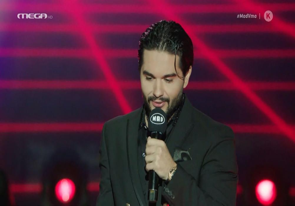 Η συγκινητική αφιέρωση του Χρήστου Μάστορα κατά τη βράβευσή του για το βραβείο καλύτερου τραγουδιού