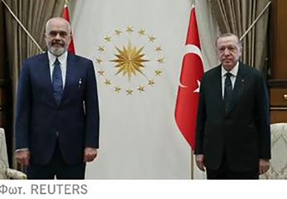 Τουρκικό προεκλογικό «πεσκέσι» στον Εντι Ράμα