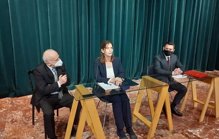 Συμφωνία για δωρεά από την Ελλάδα, για ανοικοδόμηση επαγγελματικού σχολείου στα Τίρανα