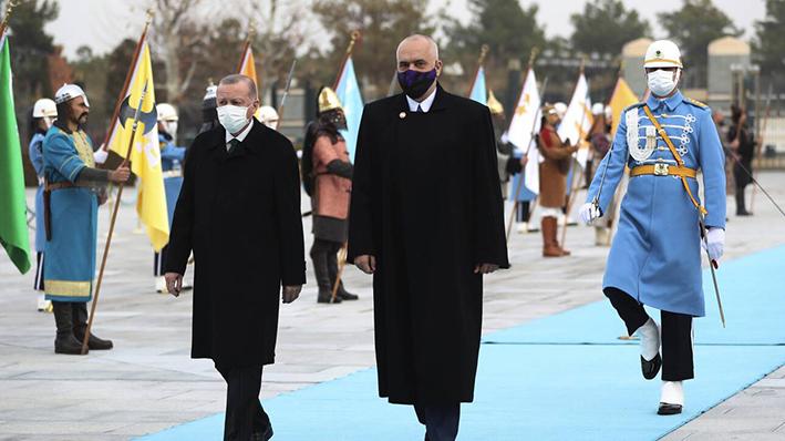 Σε τροχιά εκλογών η Αλβανία με… τουρκικό «άρωμα»