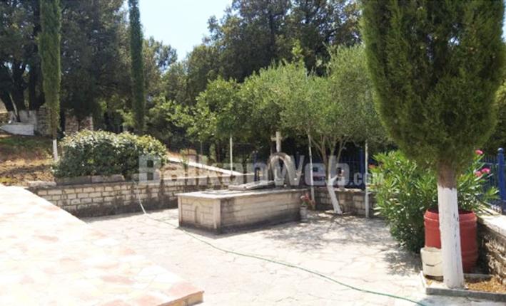 Αλβανία- Δρόπολη: Άνοιξαν ταφικό μνημείο και αφαίρεσαν τα οστά τριών Ελλήνων στρατιωτών!
