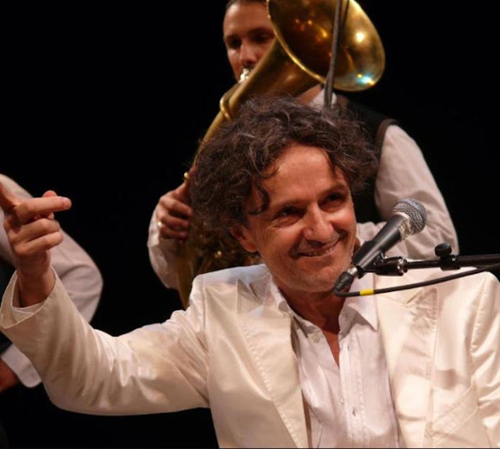 Αλβανοί εθνικιστές διέκοψαν τη συναυλία του Γκόραν Μπρέγκοβιτς στην Κορυτσά