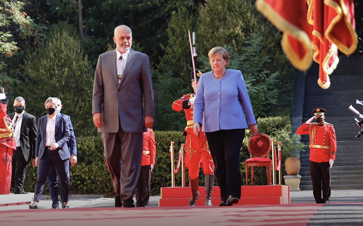 Merkel: Χαιρετίζω την πρωτοβουλία, «Ανοιχτά Βαλκάνια» και προσκαλώ κι άλλες χώρες να συμμετάσχουν