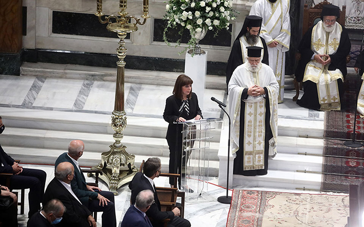 Σακελλαροπούλου: Ο Μίκης Θεοδωράκης θα είναι πάντα εδώ, ένα άνθος φυτρωμένο στην ώριμη μνήμη όλων μας