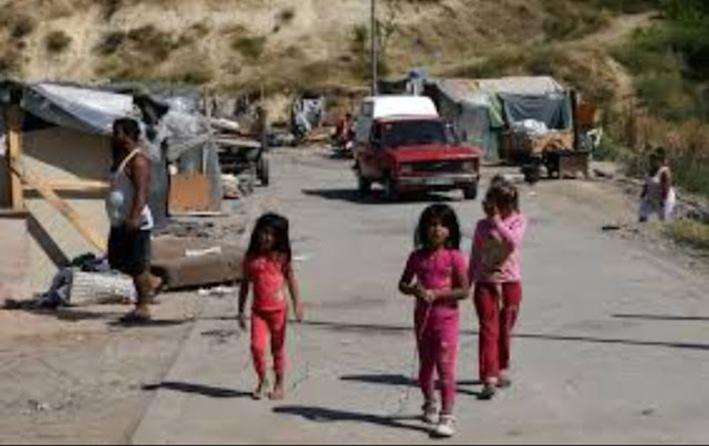 Απογραφή στα Σκόπια: Οι Ρομά διαμαρτύρονται ότι καταγράφονται ως Αλβανοί, Τούρκοι
