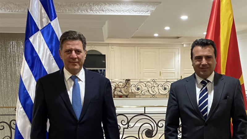 Την ανάγκη  πλήρους, συνεπούς και πιστής εφαρμογής της Συμφωνίας των Πρεσπών ζήτησε ο Αναπληρωτής Υπουργός κ. Βαρβιτσιώτης στη συνάντηση με τον Zoran Zaev στα Σκόπια