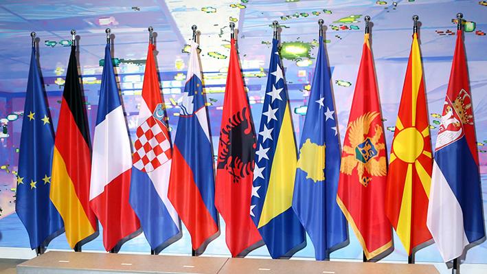 Χαμηλές οι προσδοκίες για έναρξη ενταξιακών διαπραγματεύσεων Βόρειας Μακεδονίας και Αλβανίας